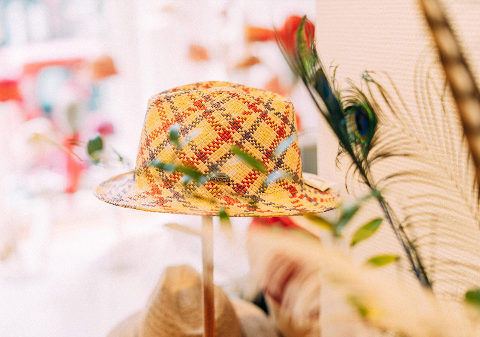 Exklusive, handgefertigte Hutmodelle und Haarschmuck in Hitzacker kaufen