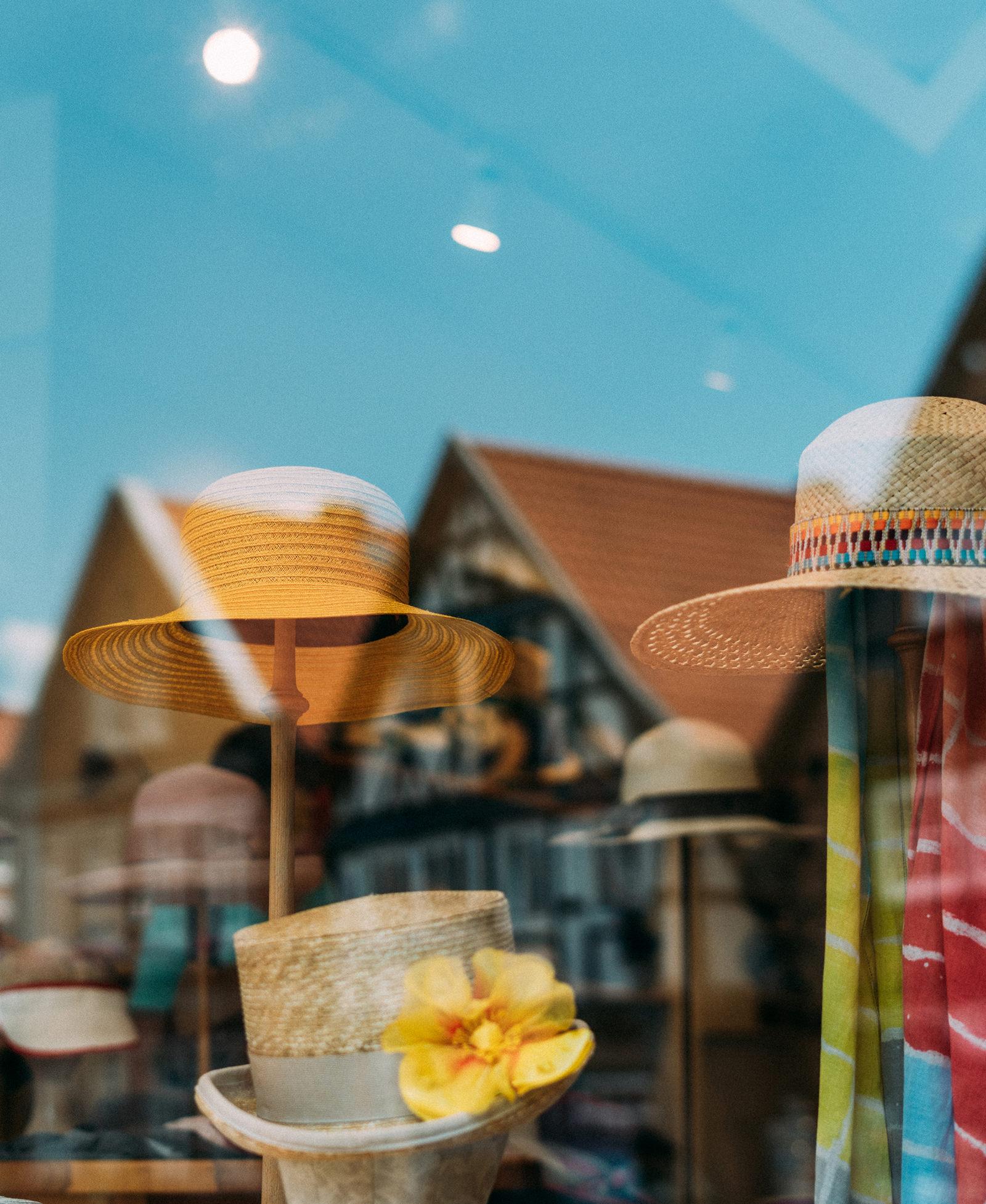 Hut im Schaufenster in Hitzacker im Wendland