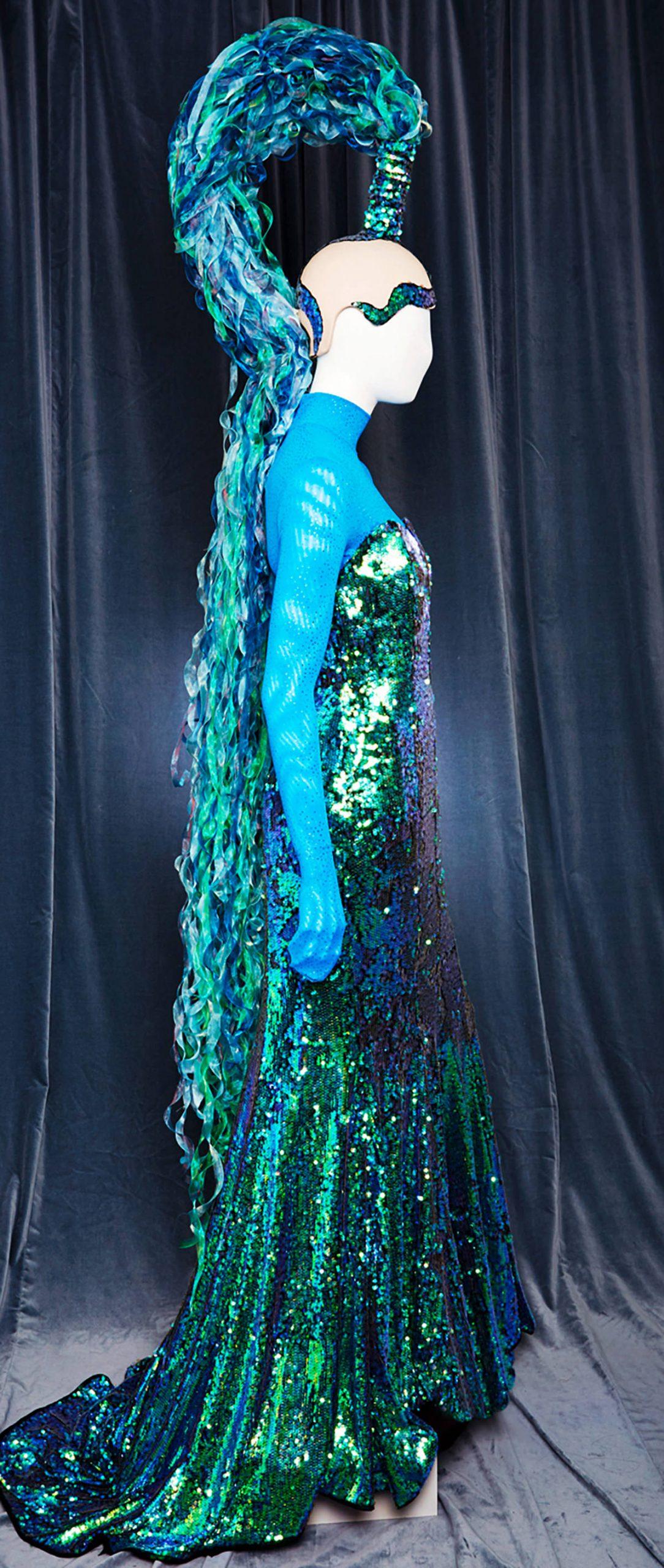 Individueller Haarschmuck für Show Aida Polaris von Birke Breckwoldt